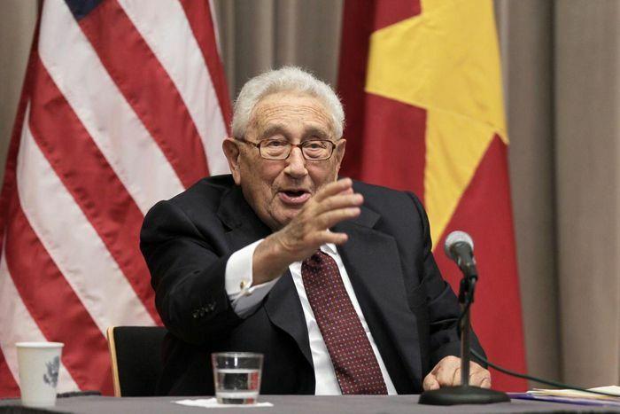 Cựu Ngoại trưởng Mỹ Henry Kissinger cảnh báo lạnh gáy về xung đột Mỹ – Trung