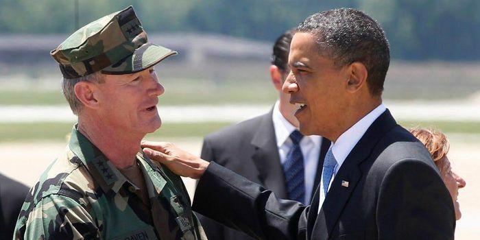 Tiết lộ món quà đặc biệt ông Obama tặng chỉ huy biệt kích tiêu diệt trùm khủng bố Bin Laden