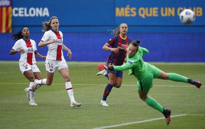 Champions League nữ: Thắng kịch tính PSG, Barcelona giành vé chung kết