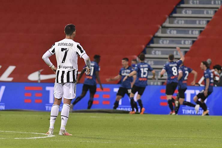Juventus bị hạ bệ ở Serie A: Mourinho trở lại, Lão bà nguy cơ chỉ dám đua top 4