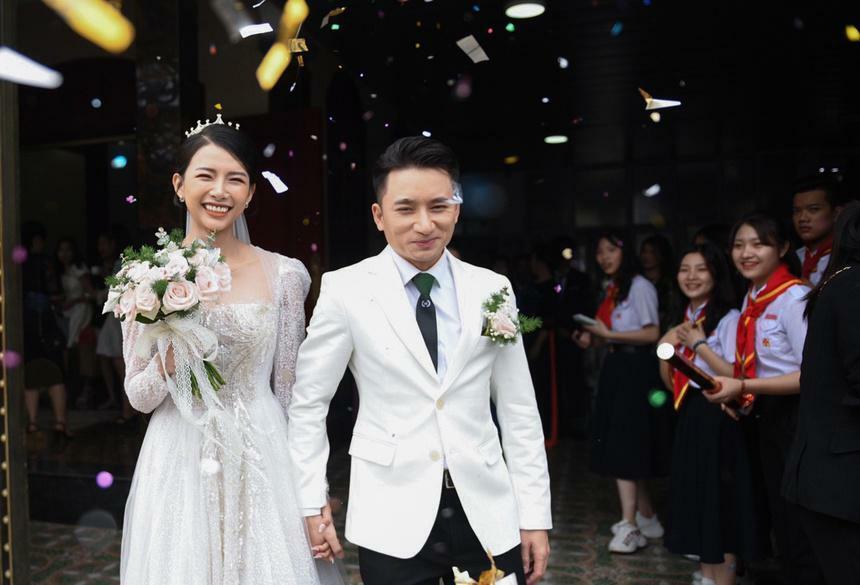 Phan Mạnh Quỳnh tiếp tục hoãn đám cưới ở TP.HCM vì COVID-19