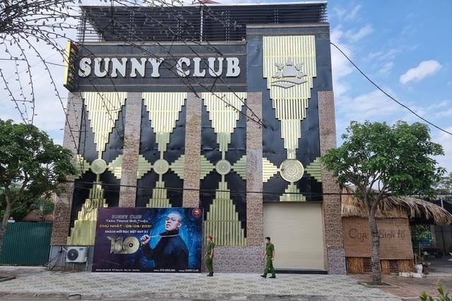 Buông lỏng quản lý quán bar Sunny, 2 công an bị tạm đình chỉ