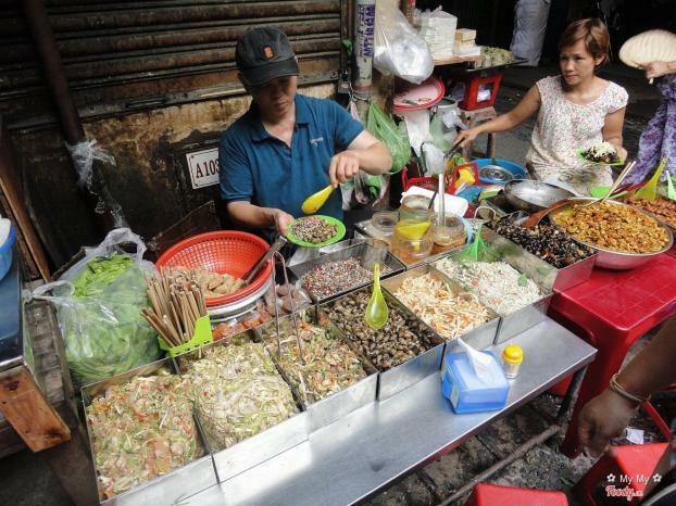 TP. HCM: Quán ăn nhỏ ven đường không được bán tại chỗ, chỉ được bán đồ mang đi