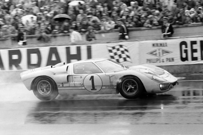 """Chiếc xe huyền thoại: Vùi dập Ferrari suốt 4 năm liên tiếp – Việt Nam mới lộ 1 chiếc """"mới cứng"""""""