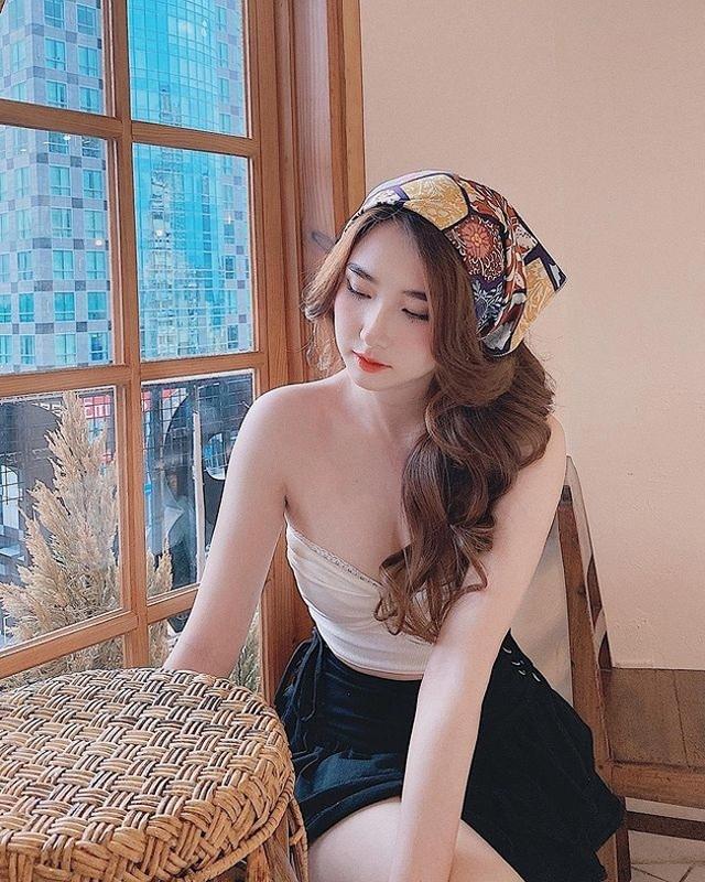 Hot girl Thanh Mèo đẹp căng mọng, tràn đầy sức sống, được báo Trung khen ngợi hết lời
