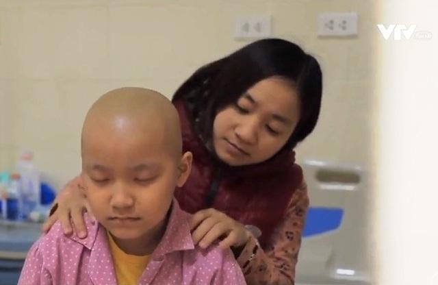 Những người mẹ phi thường của các bệnh nhi ung thư