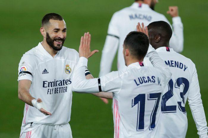 Chờ cú nước rút của Real Madrid