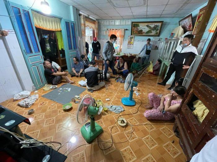 Bắt giam 3 đối tượng tổ chức cờ bạc ở Tiền Giang - ảnh 1