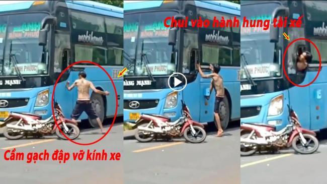 Vứt xe máy giữa đường, người đàn ông đu cửa, trèo vào bên trong xe khách để đánh tài xế