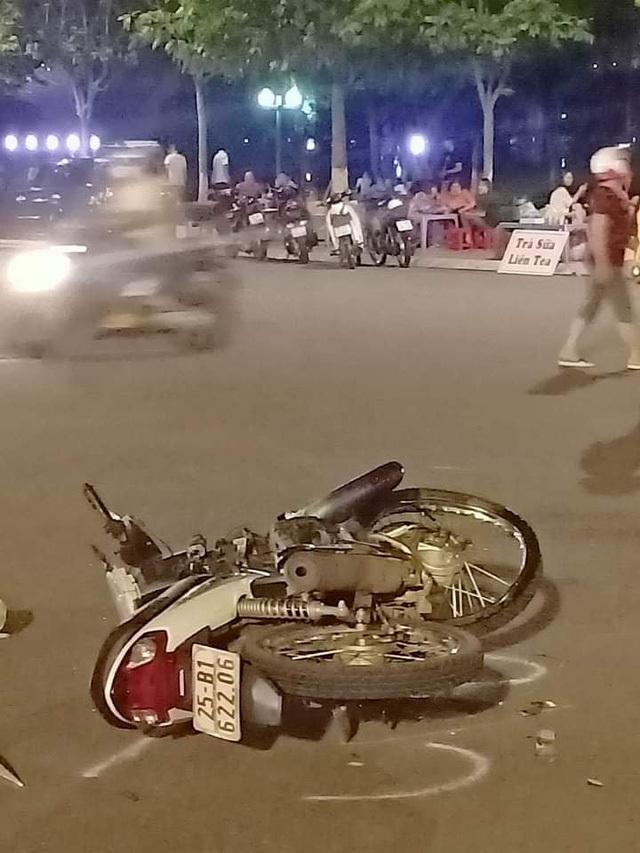 Lai Châu: Thiếu niên 16 tuổi đi xe máy tử vong sau va chạm với ô tô