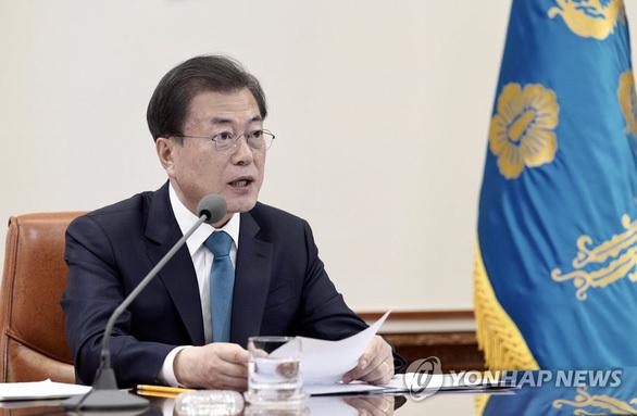 """Tổng thống Hàn Quốc: """"Tiêm vắc xin COVID-19 để tỏ lòng hiếu thảo với cha mẹ"""""""