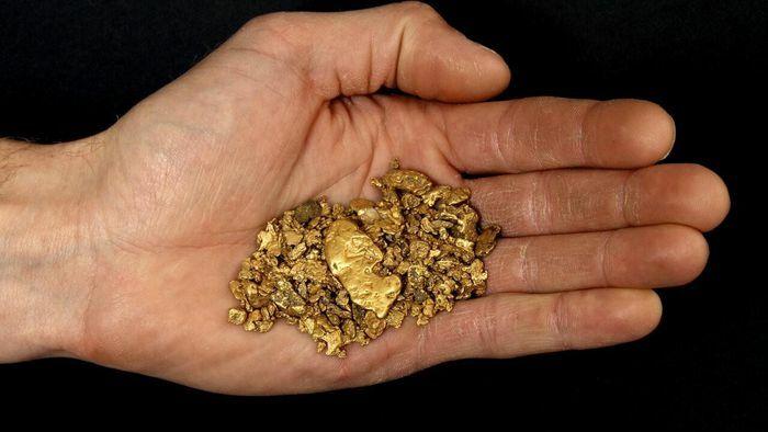 Giá vàng hôm nay: Vàng trong nước lại giảm, vàng thế giới tăng