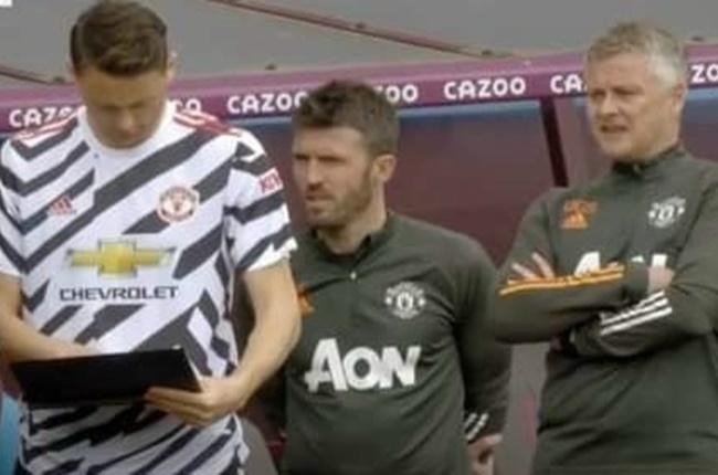 """Lộ hình ảnh gây choáng, Solskjaer để cầu thủ Man Utd """"tự đá"""" là có thật?"""
