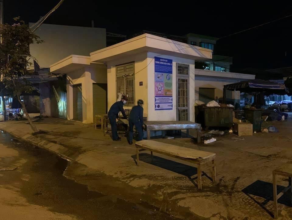 Đà Nẵng phong tỏa chợ trong đêm, truy vết người liên quan ca nghi nhiễm Covid-19