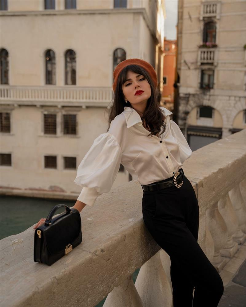 Style gái Pháp: 'Mặc đi mặc lại 1 món đồ, mê son môi và luôn kiêu hãnh từ trong tâm thế'