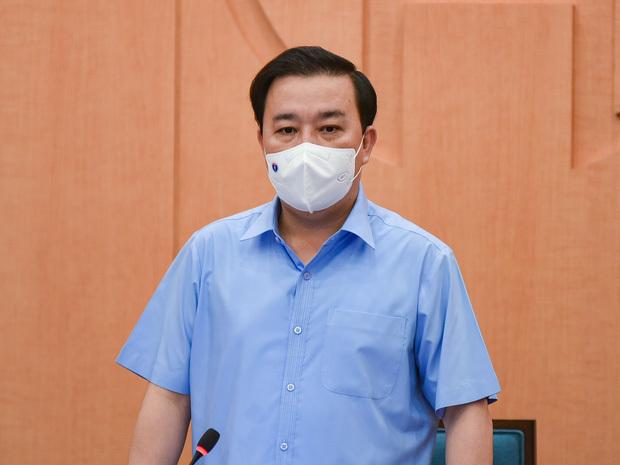 """Phó chủ tịch Hà Nội: """"Chùm 18 ca bệnh có thể lây từ chính Tập đoàn T&T, không phải từ gia đình ở Times City"""""""