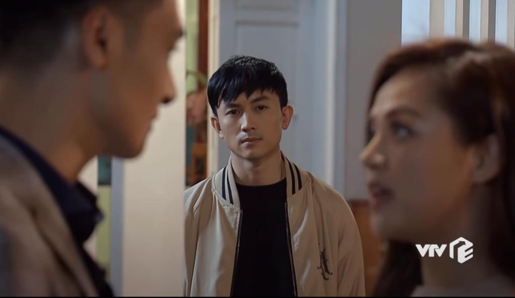 Phim Hương vị tình thân tập 26: Vì sao Phương Nam để trai lạ ôm hôn?