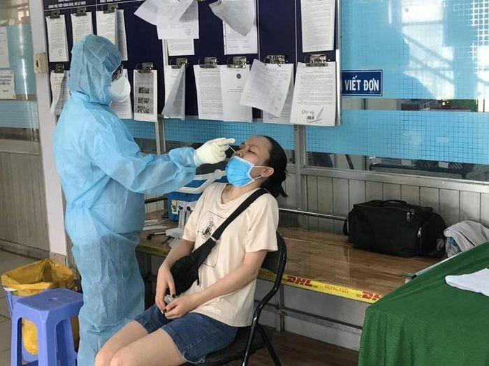 """""""Thở phào"""" với hàng trăm kết quả tiếp xúc ca mắc Covid-19 ở quận Bình Tân"""