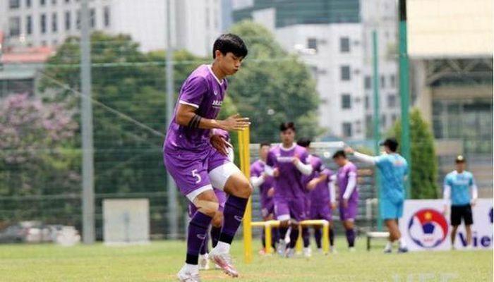 Văn Hậu trở lại tập luyện cùng đội tuyển