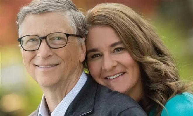 Bill Gates ly hôn, 'rửa bát' bỗng thành từ khóa 'hot' trên mạng xã hội - ảnh 1