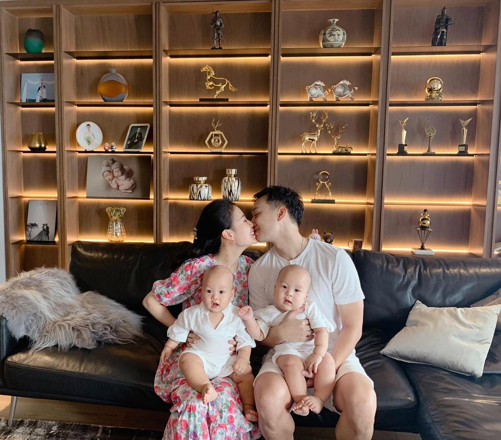 """Bà xã MC Thành Trung bỏ 600k mua cây về tự trang trí penthouse 18 tỷ, dân tình """"ngã ngửa"""" khi biết cô từng chi 25 triệu chỉ để… thuê làm vườn"""