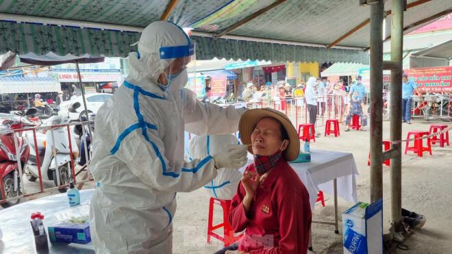 """Các đối tượng F1 tại Đà Nẵng sẽ """"phải qua"""" 4 lần xét nghiệm SARS-CoV-2"""