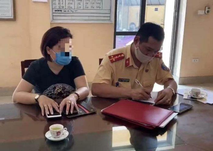 Phạt 17 triệu đồng nữ tài xế đi lùi trên cao tốc Hà Nội – Thái Nguyên