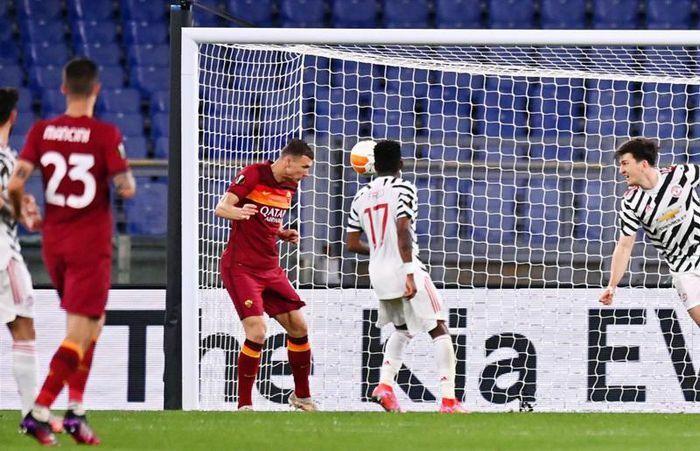AS Roma 2-2 MU: Cavani lập cú đúp (H2)