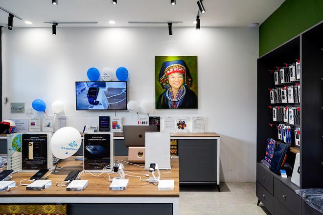 """Chuỗi cửa hàng Apple mang phong cách thổ cẩm đầu tiên tại Việt Nam: """"Đừng sao chép Apple, hãy sáng tạo"""""""