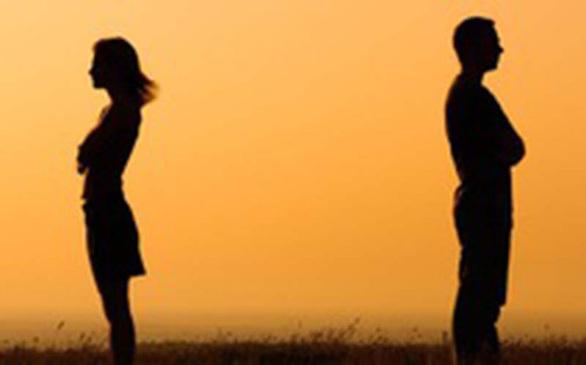 Chẳng thể sóng bước khi trái tim vơi yêu thương