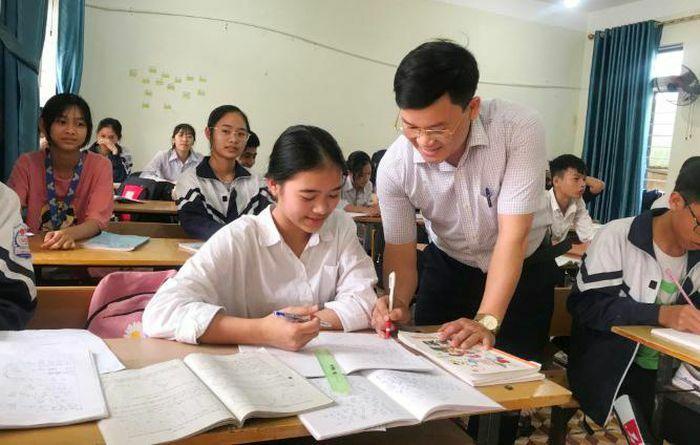 Thi tốt nghiệp THPT tại Hà Tĩnh: Củng cố kiến thức, giải tỏa áp lực cho trò
