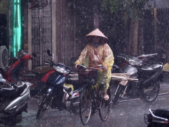 Đêm nay và ngày mai Bắc Bộ, Bắc Trung Bộ mưa lớn - ảnh 1