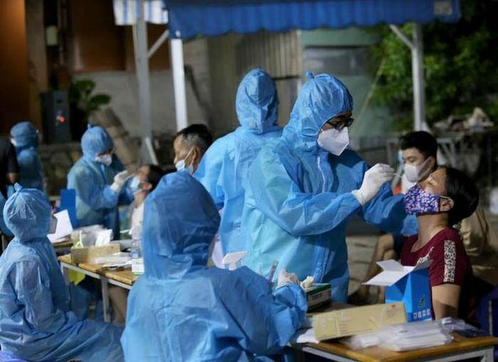 TP.HCM: Thêm 14 trường hợp nhiễm COVID-19
