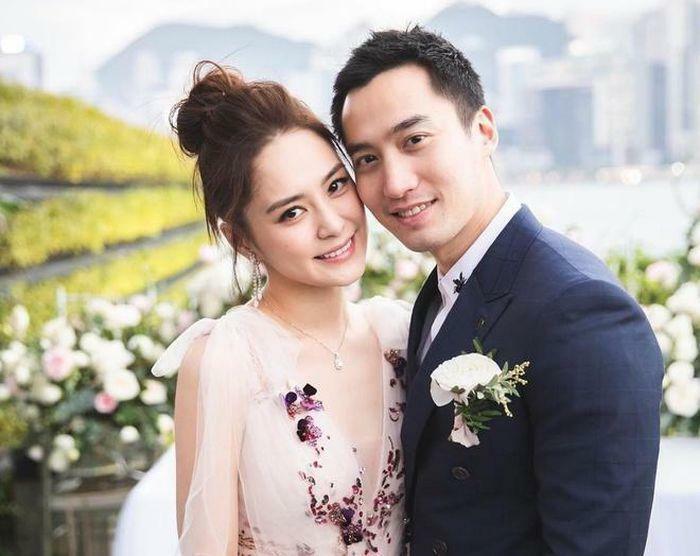 Chung Hân Đồng – Lại Hoằng Quốc ly hôn: Xuống sắc cả đôi khó nhận ra