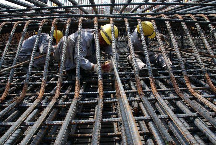 Cần giải pháp để giảm giá thép xây dựng