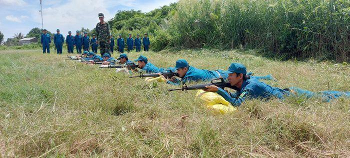 Huấn luyện cơ bản ngay từ đầu cho dân quân năm thứ nhất