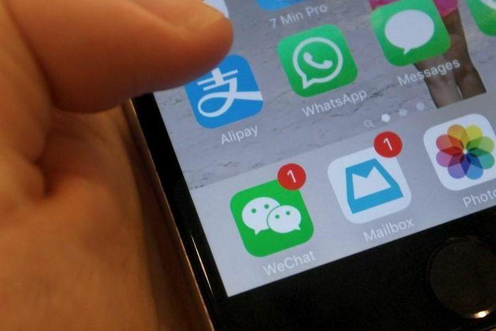 """""""Cuộc chiến"""" Epic Games-Apple tiết lộ hàng triệu iPhone từng dính mã độc"""