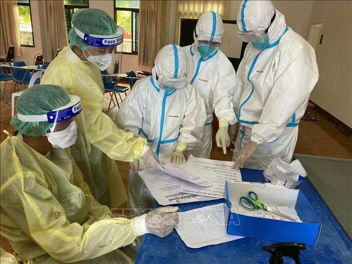 Lào đánh giá cao những kinh nghiệm chống dịch mà Đoàn chuyên gia y tế Việt Nam chia sẻ