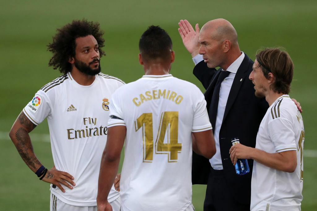 Zidane thẳng tay loại Marcelo vì cãi tay đôi trên sân