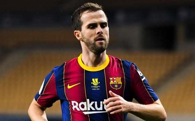 """Chelsea gây bất ngờ với """"số 8 lỗi"""" Barca"""