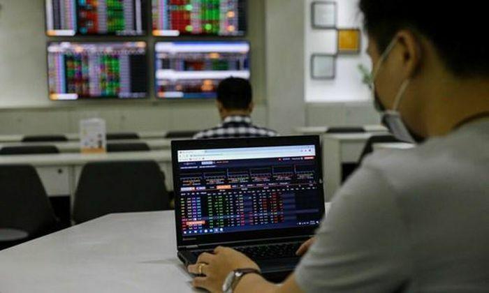 Thị trường đảo chiều giúp VN-Index thoát hiểm trong gang tấc