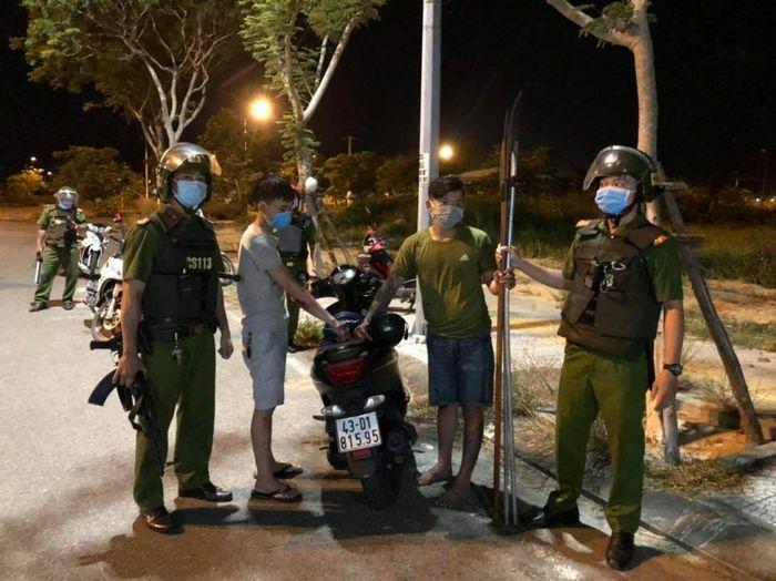 Công an Đà Nẵng nổ súng khống chế nhiều đối tượng mang hung khí đi hỗn chiến