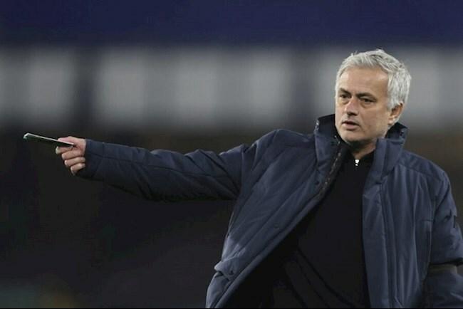 Tottenham tiết kiệm được đống tiền khi Jose Mourinho dẫn dắt Roma