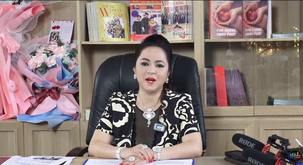 Bà Phương Hằng phá kỷ lục lượt xem livestream trên Facebook, nhưng sang YouTube vẫn phải chào thua cái tên này!