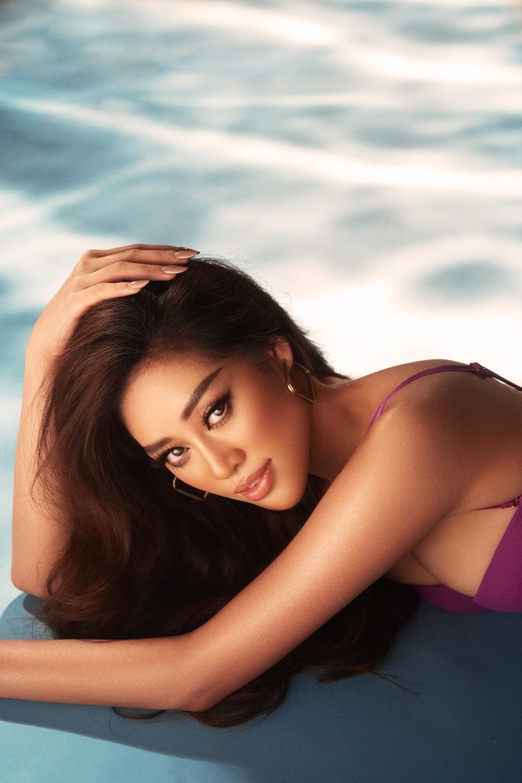 Hoa hậu Khánh Vân tung ảnh bikini khoe body nóng bỏng