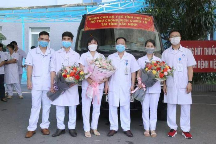 Phú Thọ cử đoàn cán bộ y tế hỗ trợ Bắc Ninh chống dịch