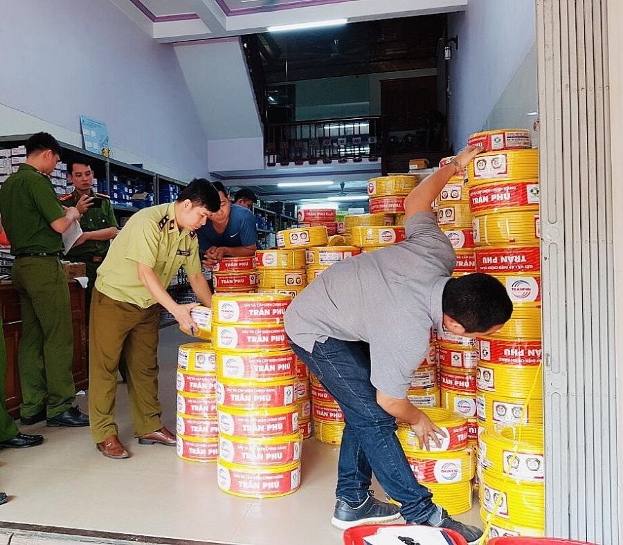 Vĩnh Phúc: Chuyển vụ kinh doanh dây điện giả nhãn hiệu Trần Phú sang công an điều tra