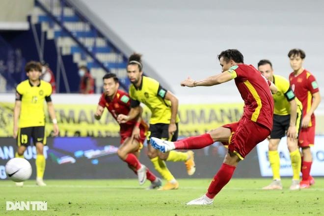 Đội nhà thua đau tuyển Việt Nam, sếp lớn Malaysia tính kiện… trọng tài