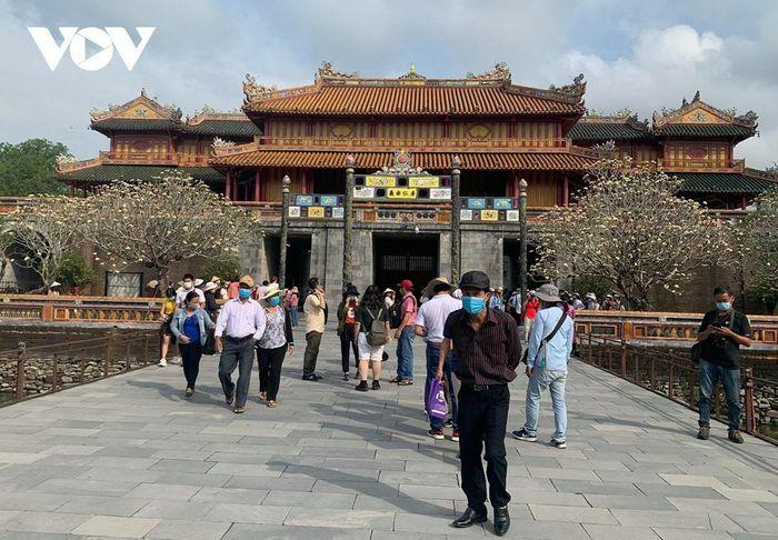 Di tích, điểm du lịch tại Thừa Thiên Huế mở cửa trở lại cho khách nội tỉnh - ảnh 1