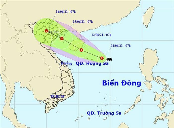 Vùng áp thấp gây mưa lớn diện rộng từ miền Bắc đến miền Trung - ảnh 1